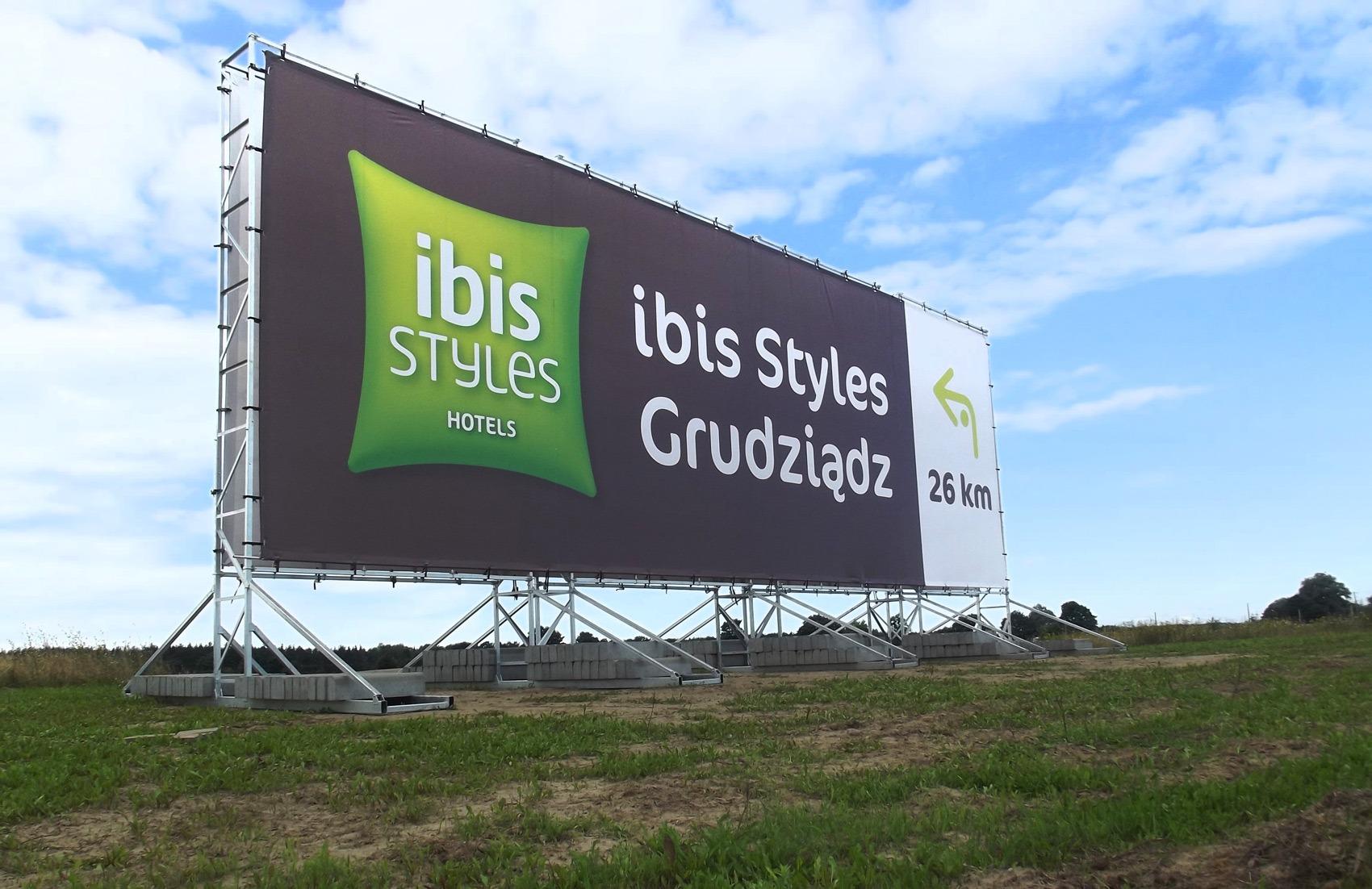 Konstrukcja reklamowa 18x6m