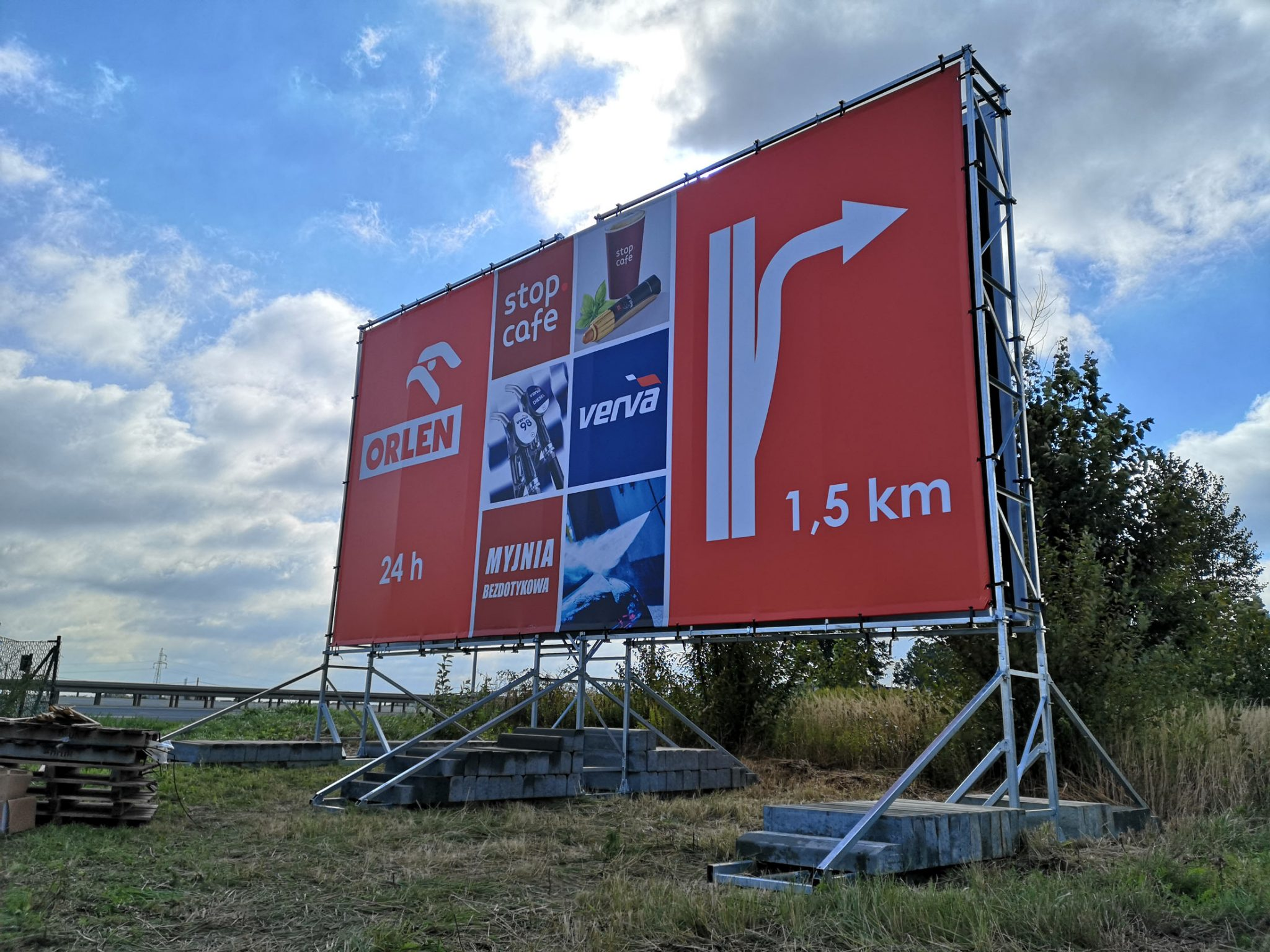 Konstrukcja reklamowa 10x5m