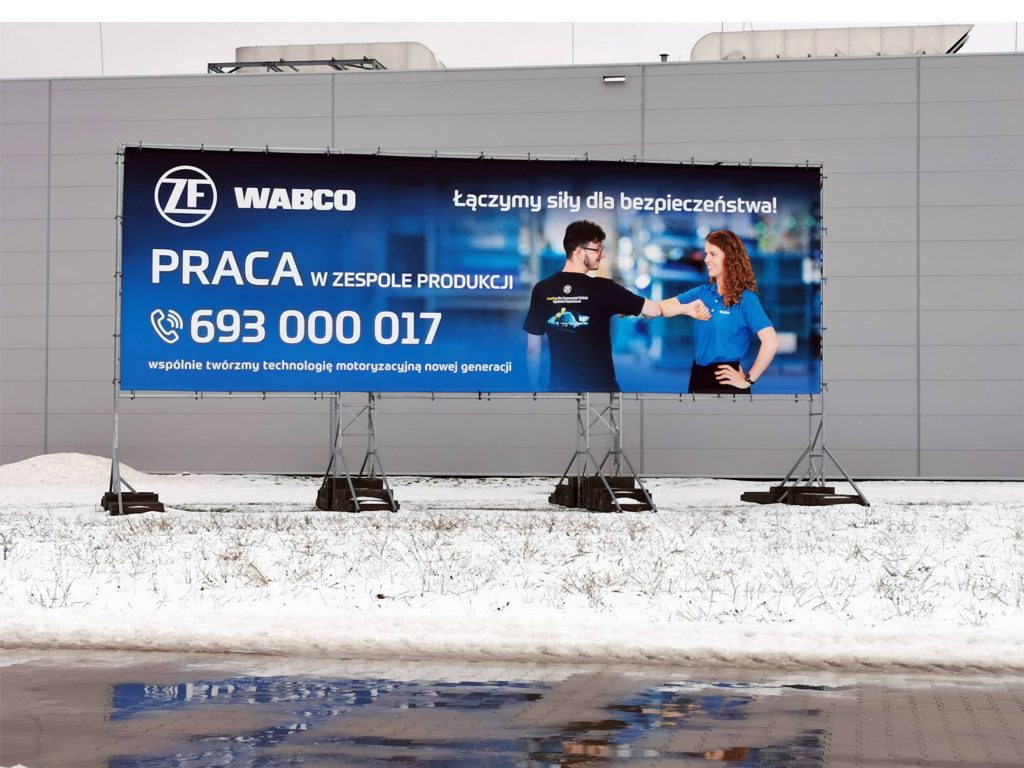 konstrukcja reklamowa 15x5m